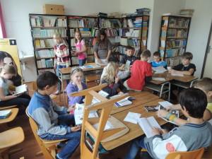 pětka v knihovně003